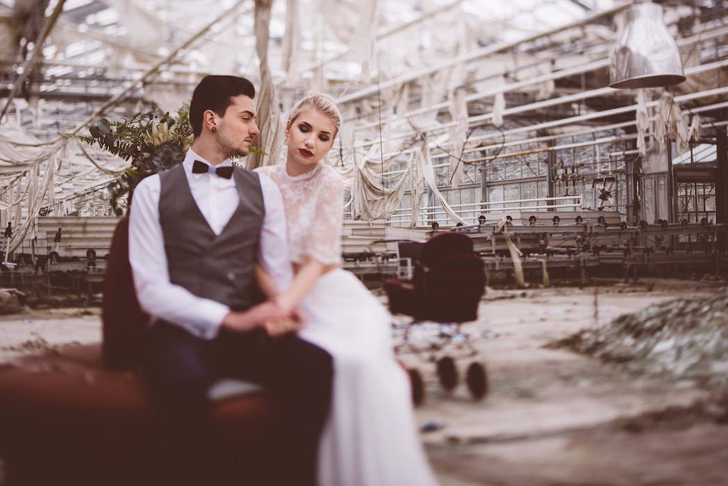 Lost Place Elopement | Ana Fernweh | Destination Wedding Photographer
