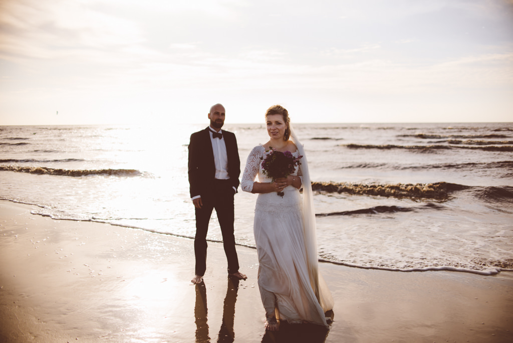 An intimate after wedding session in Hamburg & St. Peter Ording | Ana Fernweh | Destination Wedding Photographer