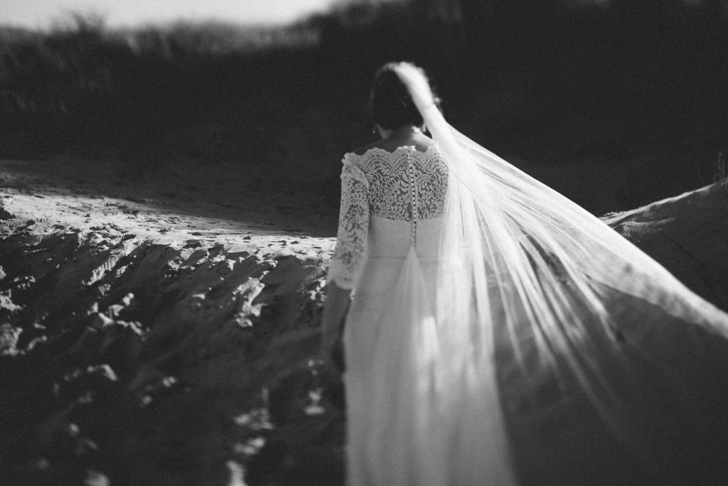 An intimate after wedding session in Hamburg & St. Peter Ording   Ana Fernweh   Destination Wedding Photographer