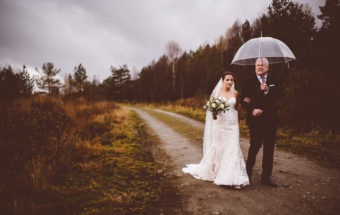 norwegian bride walking down the isle by her father at Skjelbreid Poiree in Norway